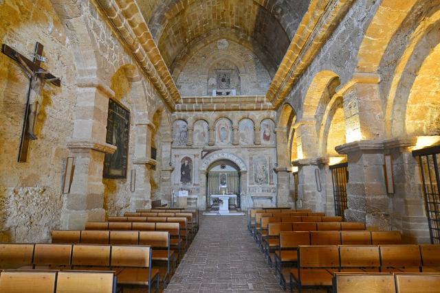 L'interno della chiesa cistercense di San Nicola - Agrigento