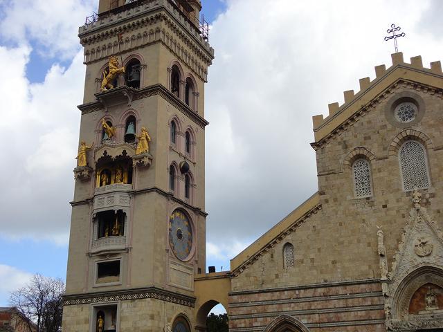 La torre campanaria del Duomo di Messina con il suo particolarissimo Orologio Astronomico