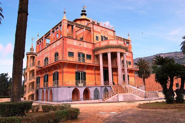 La Casina Cinese (meglio conosciuta come Palazzina Cinese), dimora reale dei Borbone delle Due Sicilie - Palermo