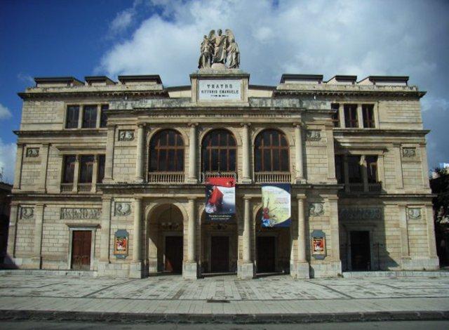 Il Teatro Vittorio Emanuele II di Messina