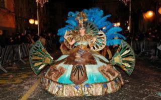 A Misterbianco il Carnevale dai costumi più belli di Sicilia