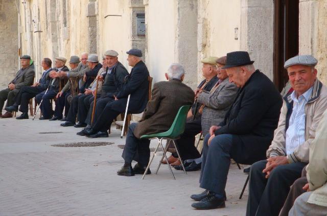 137 anziani ogni 100 giovani... Così la Sicilia oggi