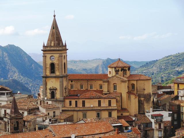 Duomo di Santa Maria Assunta di Novara di Sicilia (ME)