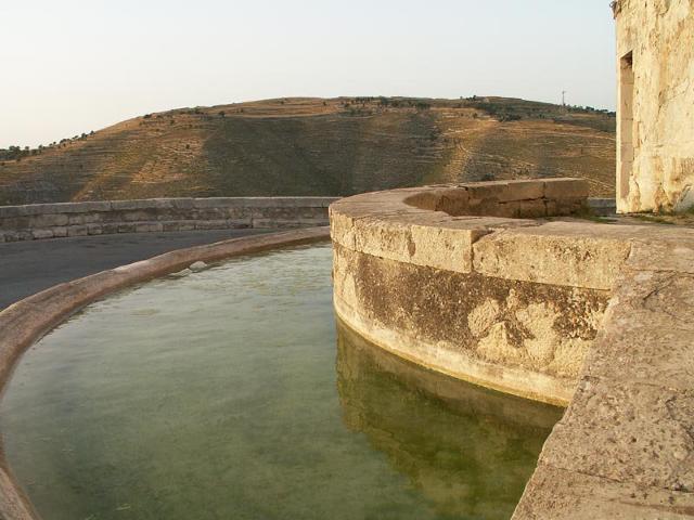"""La fontana """"o tunnu"""" nell'""""Affacciata"""" di Monterosso Almo"""
