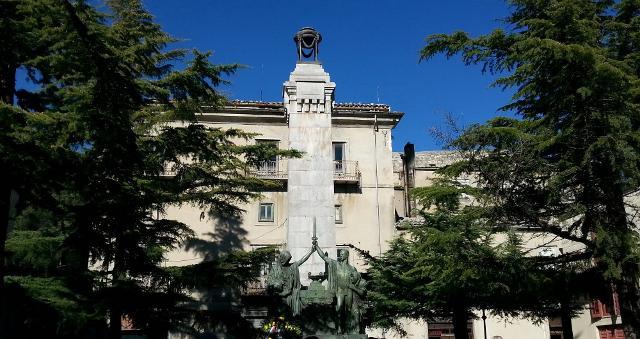 Piazza del Popolo a Petralia Soprana