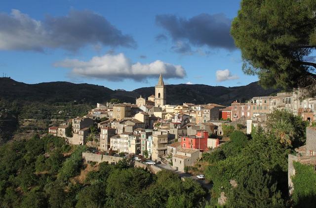 novara-di-sicilia-il-borgo-di-pietra