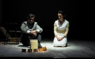Paolo Briguglia e Silvia Ajelli in ''Nel nome del padre''