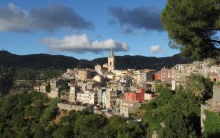 Novara di Sicilia, il borgo di pietra