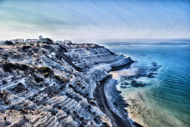 La Scala dei Turchi e la spiaggia più ''hashtaggata'' d'Italia