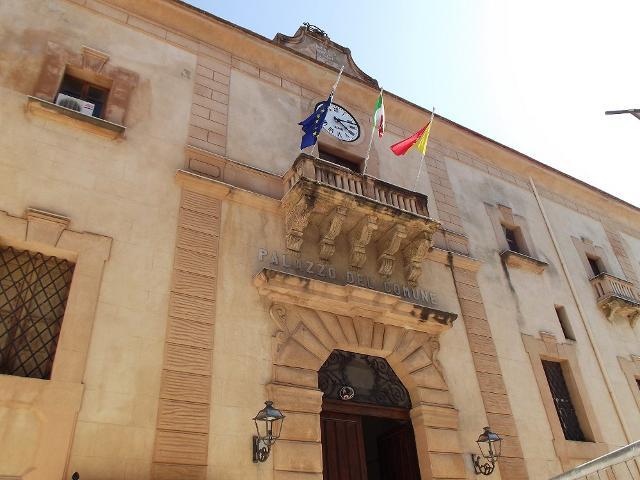 Palazzo Crociferi sede del Municipio di Castellammare del Golfo (TP)