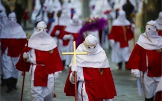 I Riti della Settimana Santa - La Processione degli Incappucciati