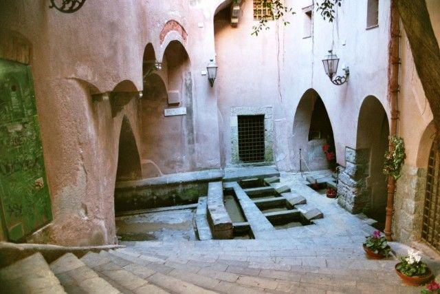 Lavatoio medioevale in via Vittorio Emanuele a Cefalù