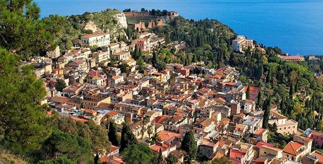 Il G7 traina il turismo a Taormina (tranne per gli alberghi della ''zona rossa'')