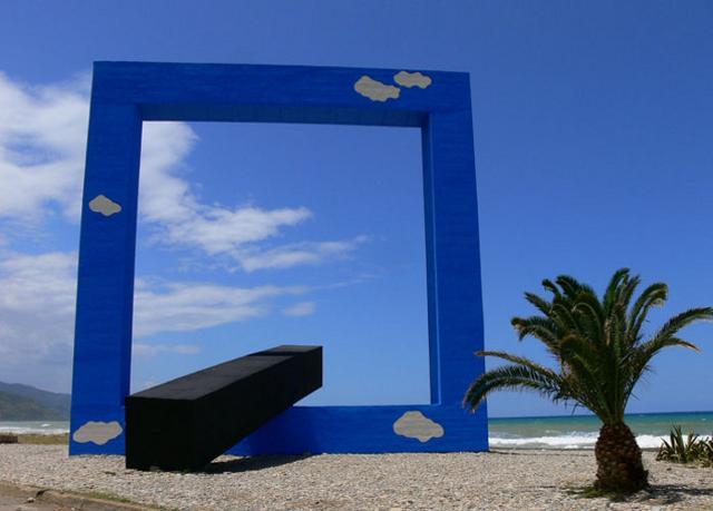 """""""Monumento per un Poeta Morto"""" (Finestra sul mare) di Tano Festa - Fiumara d'Arte (ME)"""