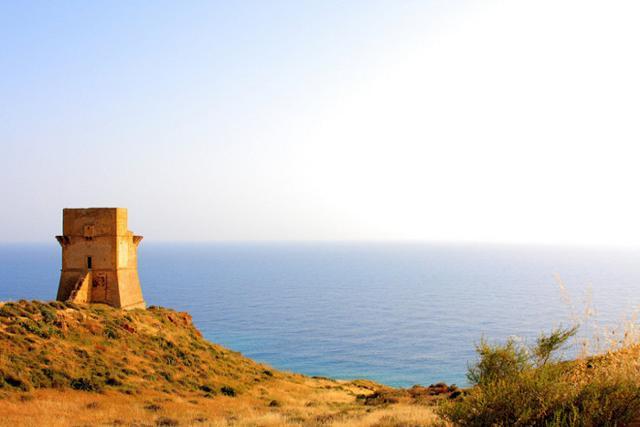 Torre Costiera di Monte Rosso nella località di Giallonardo - Siculiana (AG)
