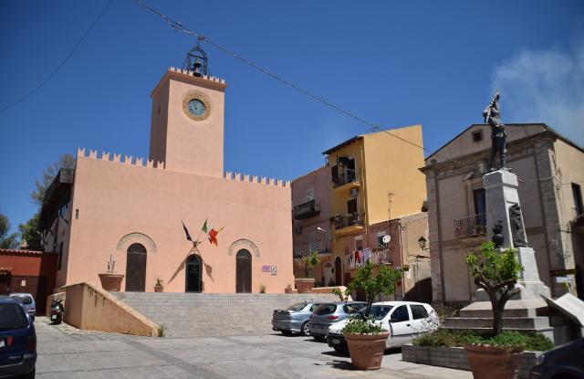 Torre dell'Orologio, sede del Consiglio Comunale di Siculiana (AG)