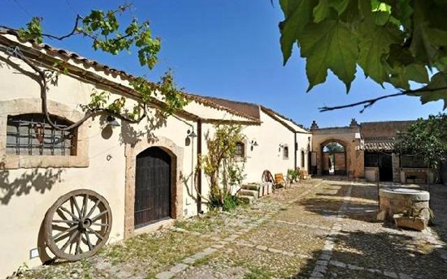 Per chi ancora non è stato in vacanza, noi consigliamo quella in un agriturismo siciliano