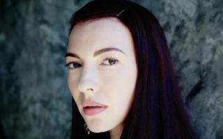Chrysta Bell in concerto