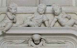 A Palermo, seguendo il candido barocco dei Serpotta