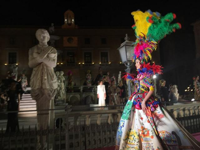 Un vestito di Dolce&Gabbana ispirato al Carretto Siciliano