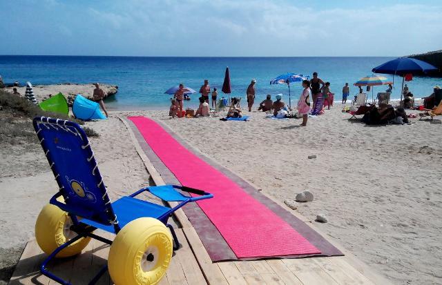 Spiaggia attrezzata e accessibile nel siracusano