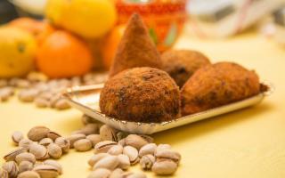 Sbarcano a Milano le arancine e i cannoli della Sicilia