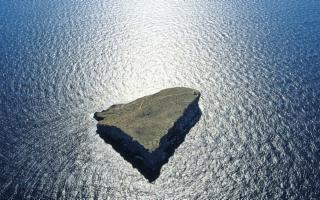 Lampione, l'isola degli squali