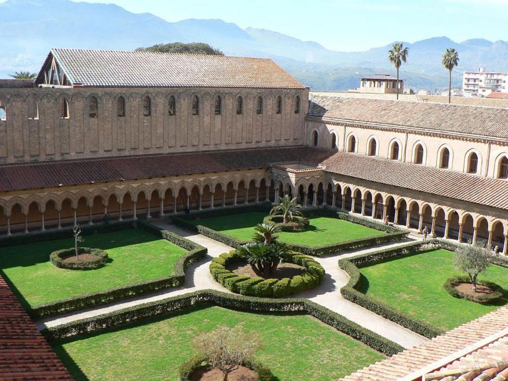 Chiostro Santa Maria La Nuova