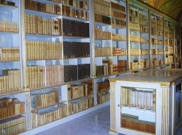 """Biblioteca comunale """"Santa Maria La Nuova"""" di Monreale"""