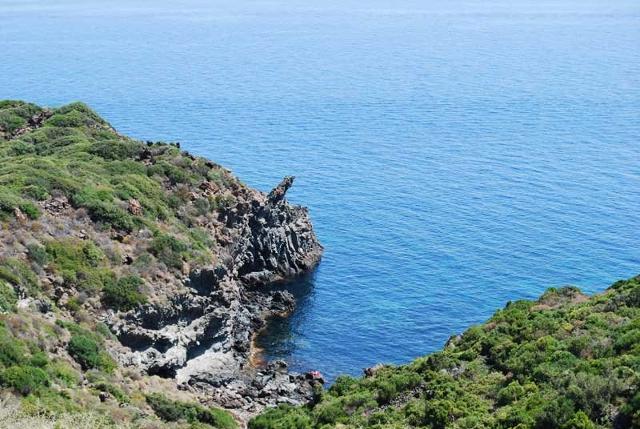 La piccola baia di Cala Cottone a Pantelleria