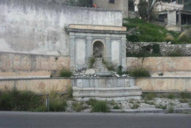 Fontana ad Emiciclo a Monreale