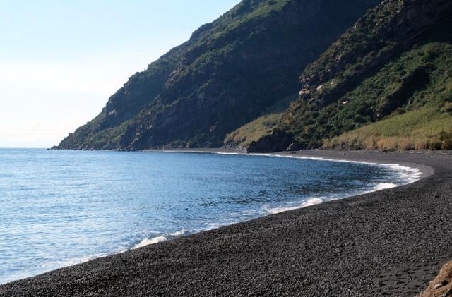 La spiaggia di Forgia Vecchia nell'isola di Stromboli