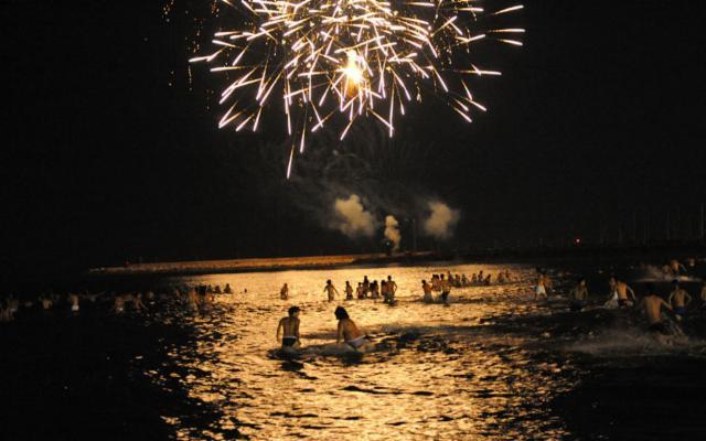 Il Ferragosto in Sicilia: summer fest, escursioni, bagni notturni e fuochi d'artificio
