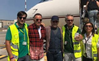 Springsteen e Spielberg all'aeroporto Fontanarossa dopo le vacanze siciliane