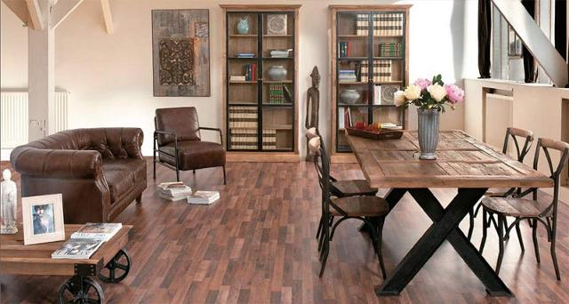 Un interno tipicamente moderno arredato con mobili vintage