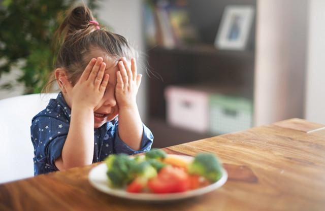 Inoltre, con l'aumentare dell'età diminuisce il numero dei pasti giornalieri...