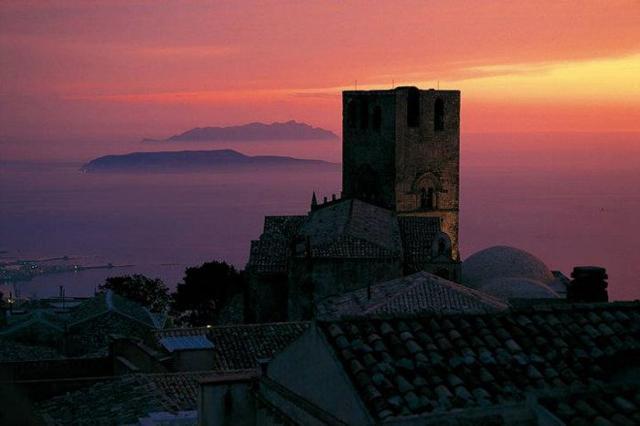 Erice al tramonto