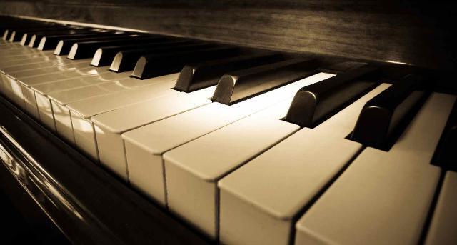 Attraverso concerti, pianoforti speciali, laboratori e tributi ai grandi maestri, chiunque potrà esplorare Palermo e riscoprirlae attraverso la musica