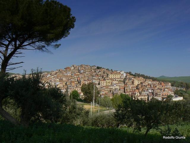 Panorama di Resuttano in una foto di Rodolfo Giunta