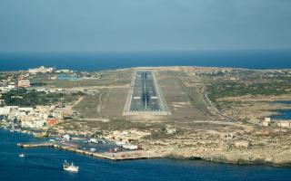 Due compagnie aeree danese e romena pronte a garantire voli per Lampedusa e Pantelleria