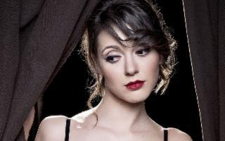 Simona Molinari e l'Orchestra Jazz Siciliana in 'Loving Ella'
