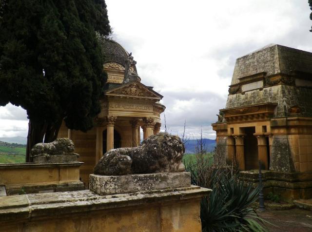 Il Cimitero monumentale degli Angeli di Caltanissetta in una foto di Leandro Janni - www.italianostra.org