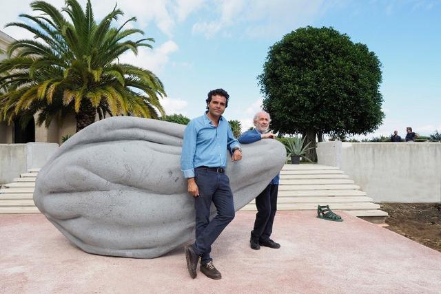 L'ideatore del Radicepura Festival, Mario Faro, con il Maestro Emilio Isgrò