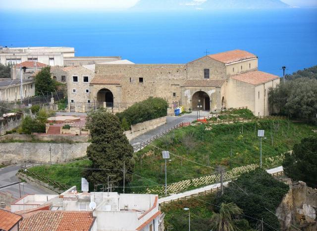 La chiesa di Santa Maria del Gesù e il Convento dei Frati Minori Osservanti di San Francesco - Naso (ME)