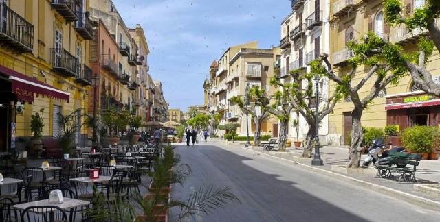 La centralissima Via Roma