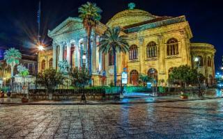 Le visite al Teatro Massimo di Palermo continuano anche in estate