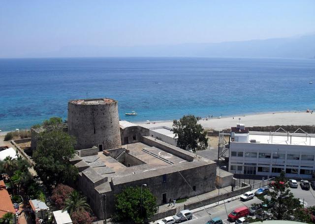 """Torre """"degli Inglesi"""" a Capo Peloro - Messina"""