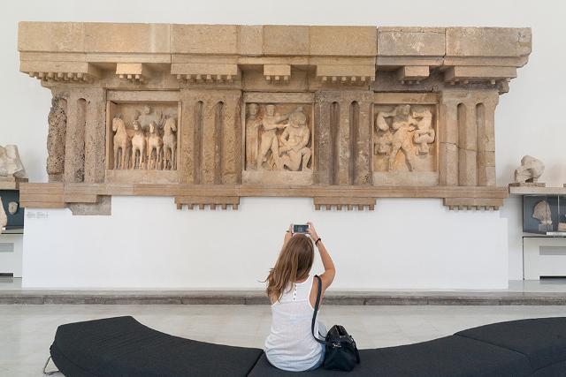 Al Museo Salinas di Palermo, nella sala delle Metope di Selinunte - ph Iole Carollo
