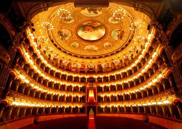 """Teatro massimo """"Vincenzo Bellini"""" di Catania"""