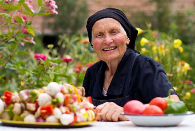 E' riconosciuto scientificamente che la Dieta Mediterranea favorisce la longevità